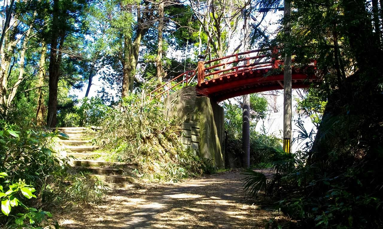 朱色の豊国橋