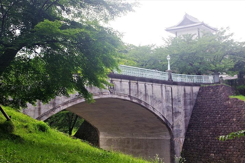 石川門前 土橋坂 ― 埋もれた中世の坂